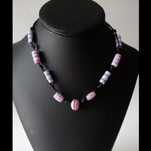 collier-perles-de-bois-peint