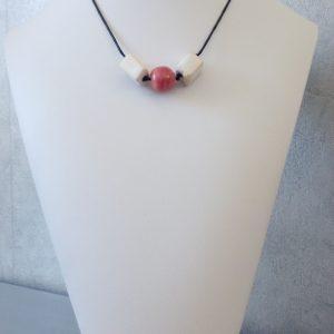 ras de cou fil de coton, perle céramique émaillée