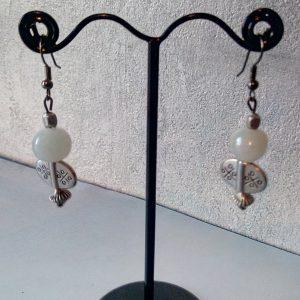 Boucles d'oreilles perles en argent ciselé et pierre de lune