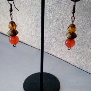Boucles d'oreilles perles d'ambre, de cornaline et de métal