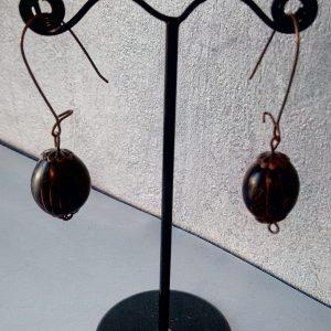 Boucles d'oreilles grand attache et perle petite noix de coco du Brésil