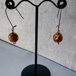 Boucles d'oreilles grandes attaches cuivrée et perle en verre soufflé de murano