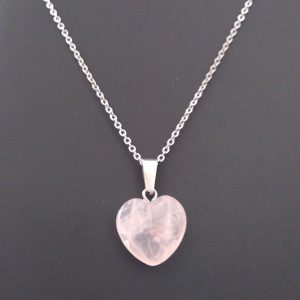 """Pendentif """"coeur en quartz rose"""" sur chainette"""