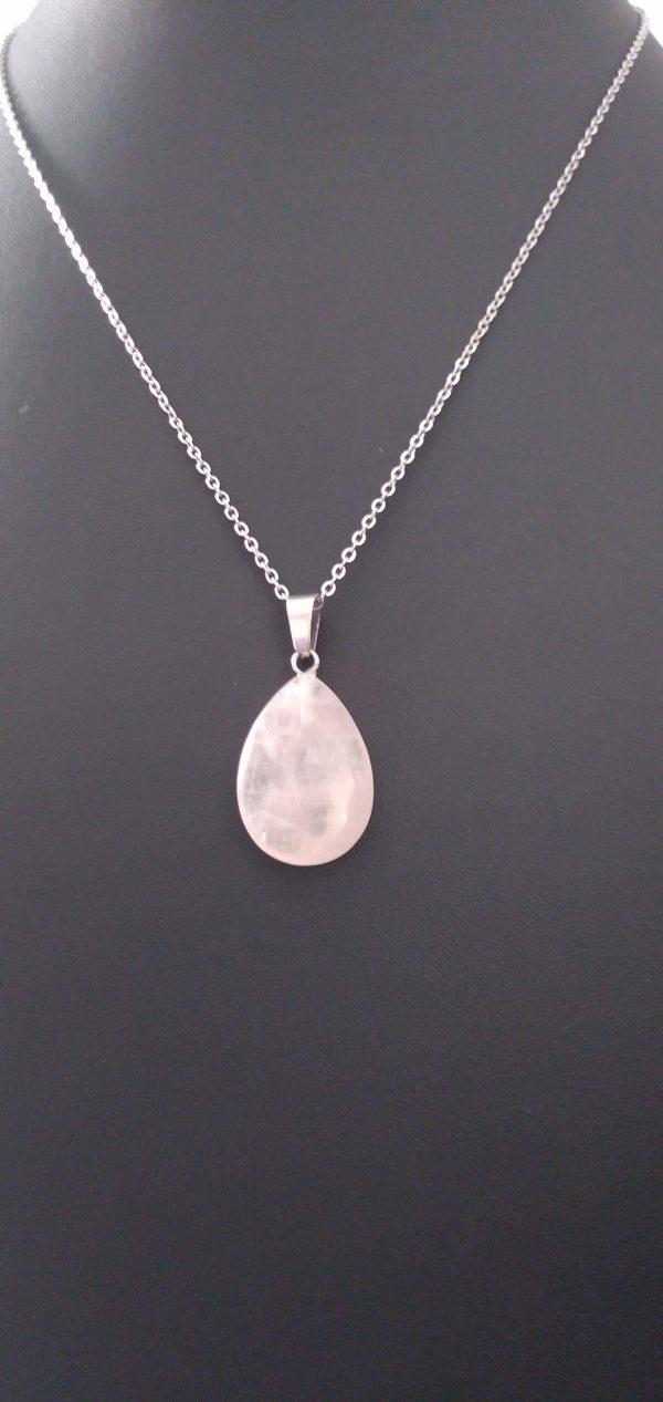 """Chainette en acier chirurgical argenté, pendentif """"goutte en quartz rose"""""""