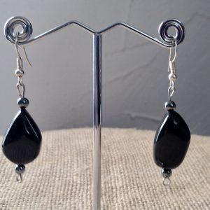 Boucles d'oreilles en pate de verre et pierre d'hématite